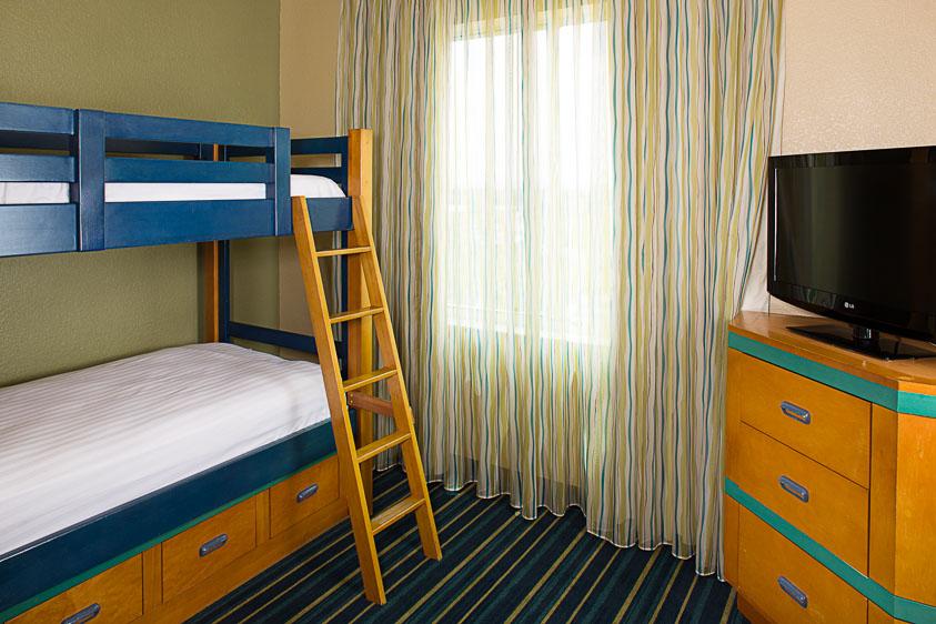18 family friendly hotels with bunks beds near disneyland - Marriott residence inn garden grove ...
